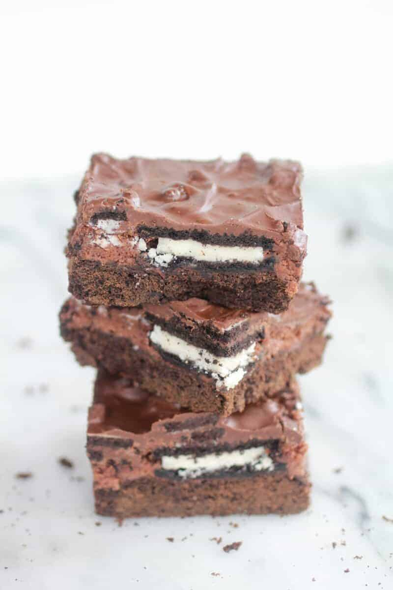 Gooey Chocolate Oreo Crunch Butter Cake-10