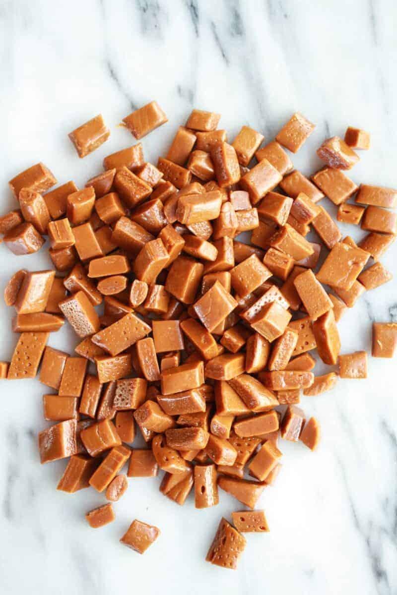 Burnt Peanut Butter Caramel Oatmeal Chocolate Chip Cookies || halfbakedharvest.com/