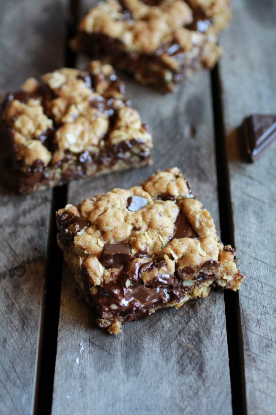 Healthy Dark Chocolate Chunk Oatmeal Cookie Bars (Idiot Proof)-3