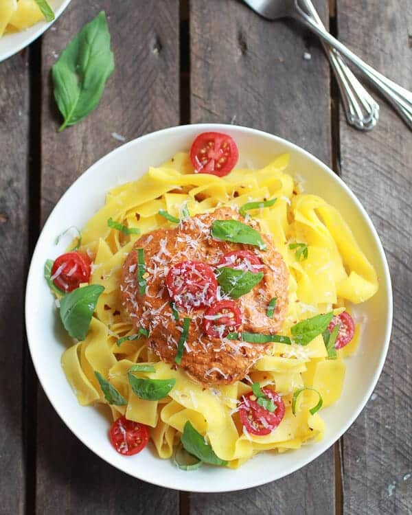 15 Minute Creamy Sun-Dried Tomato Basil Cashew Pappardelle Pasta | .halfbakedharvest.com