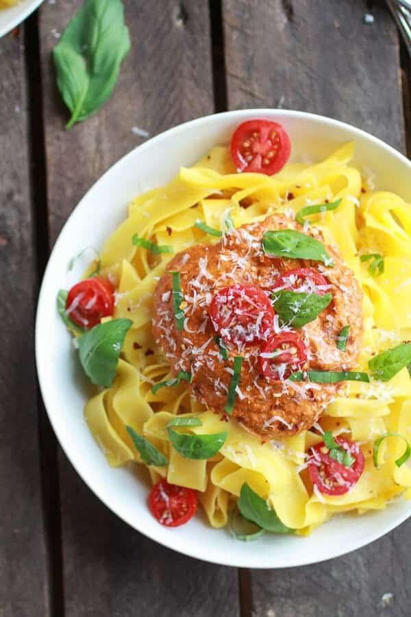 15 Minute Creamy Cashew Sun-Dried Tomato Basil Pappardelle Pasta