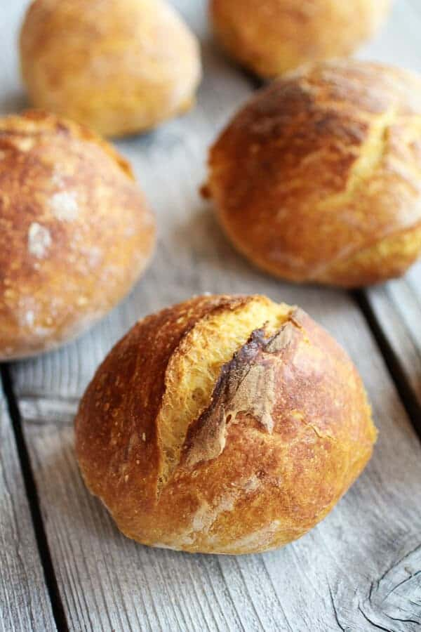 Super Easy Crusty No-Knead Pumpkin Bread Bowls | halfbakedharvest.com