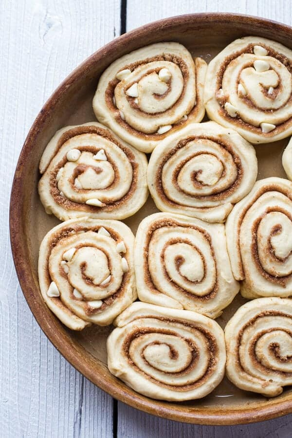 Easy Fluffy Eggnog Cinnamon Rolls-10