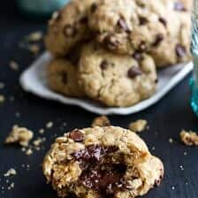 Mom's Simple Oatmeal Chocolate Chip Cookies…Best Oatmeal Chocolate Cookies.