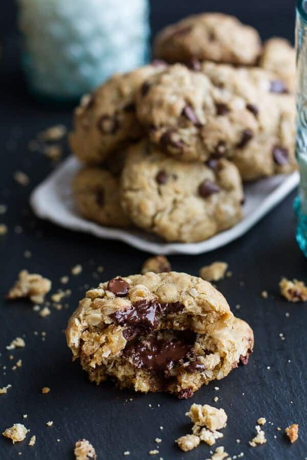 Mom's Simple Oatmeal Chocolate Chip Cookies...The Best Oatmeal Chocolate Chip Cookies Around | halfbakedharvest.com @hbharvest
