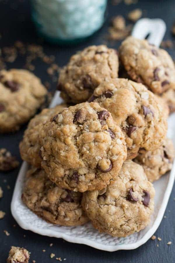 8229574a4859 Mom s Simple Oatmeal Chocolate Chip Cookies