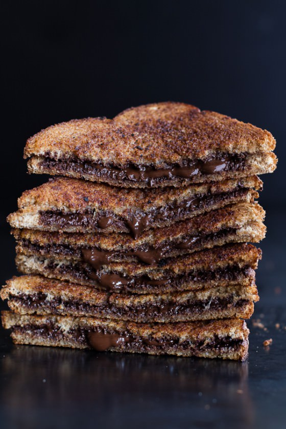 5 Minute Grilled Cinnamon Toast with Chocolate.-1