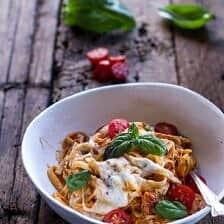 One Pot 30 Minute Creamy Tomato Basil Pasta Bake.