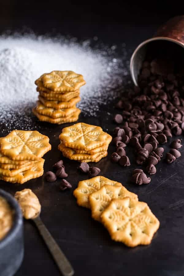 (Idiot Proof) 5-Ingredient Puppy Chow Ritz Cracker Cookies | halfbakedharvest.com @hbharvest