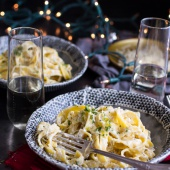 One-Pan Baked Champagne Cream Sauce Fettuccine with Truffle Oil.-1