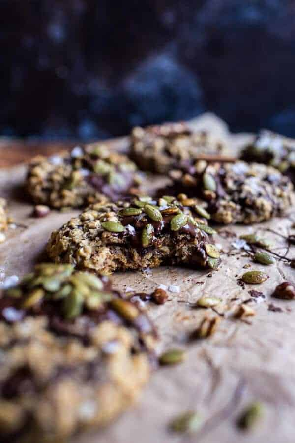 Harvest Oatmeal Chocolate Chunk Cookies with Salted Toasted Pepitas ...