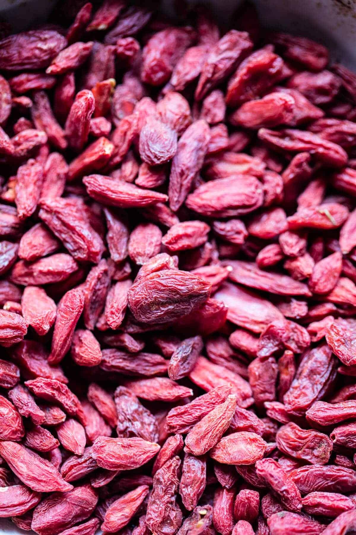 Superfood Cashew Goji Berry Bars | halfbakedharvest.com @hbharvest