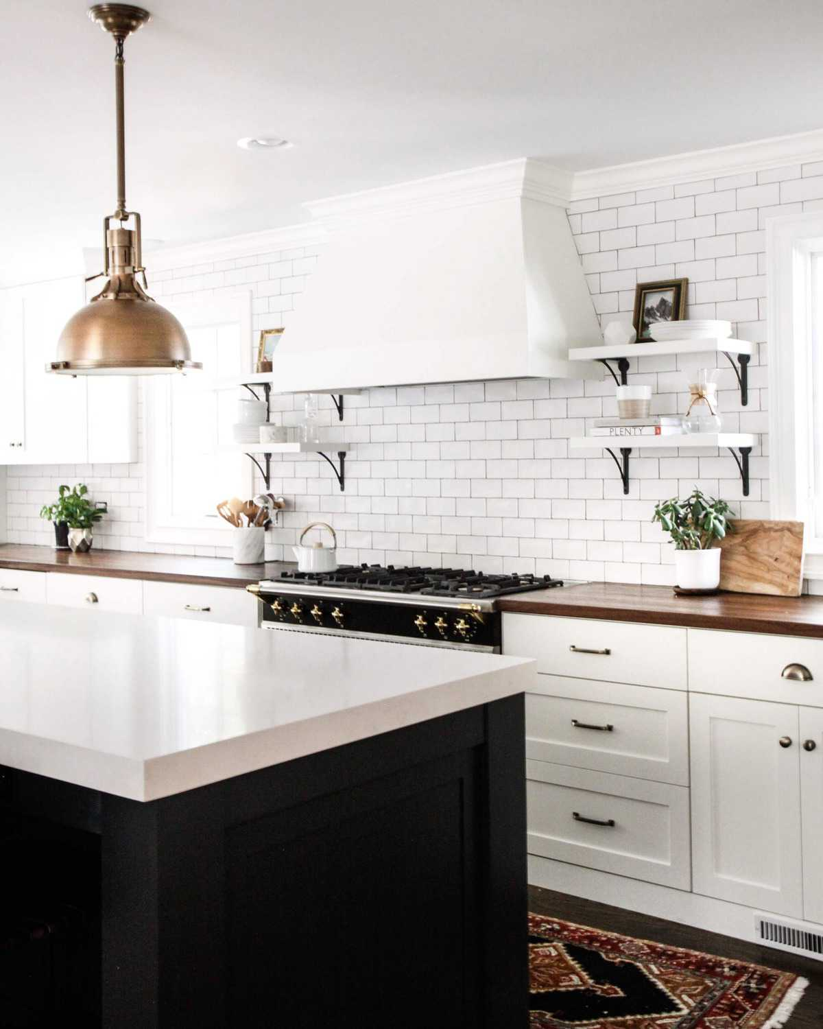 White Kitchen via @parkandoak