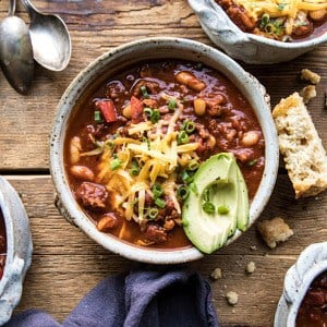 Healthy Slow Cooker Turkey and White Bean Chili.