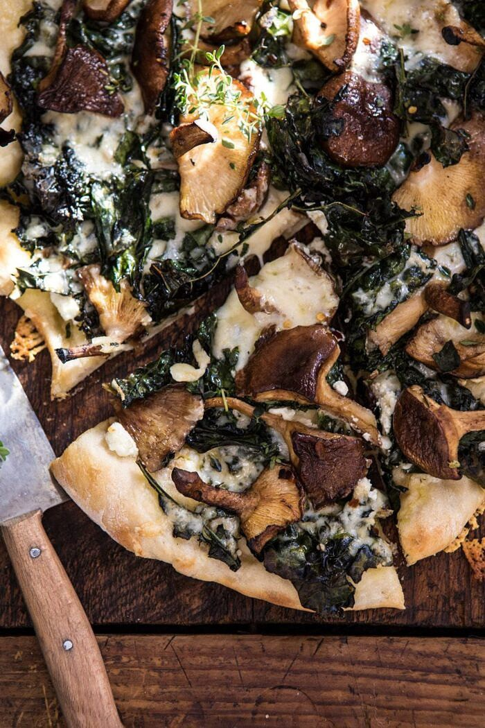 close up overhead photo of Roasted Mushroom Kale Pizza