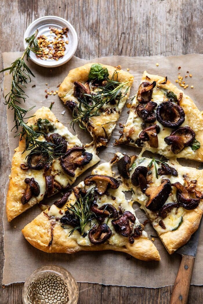 overhead photo of French Onion Mushroom Pizza