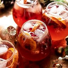 Sparkling Christmas Party Punch.