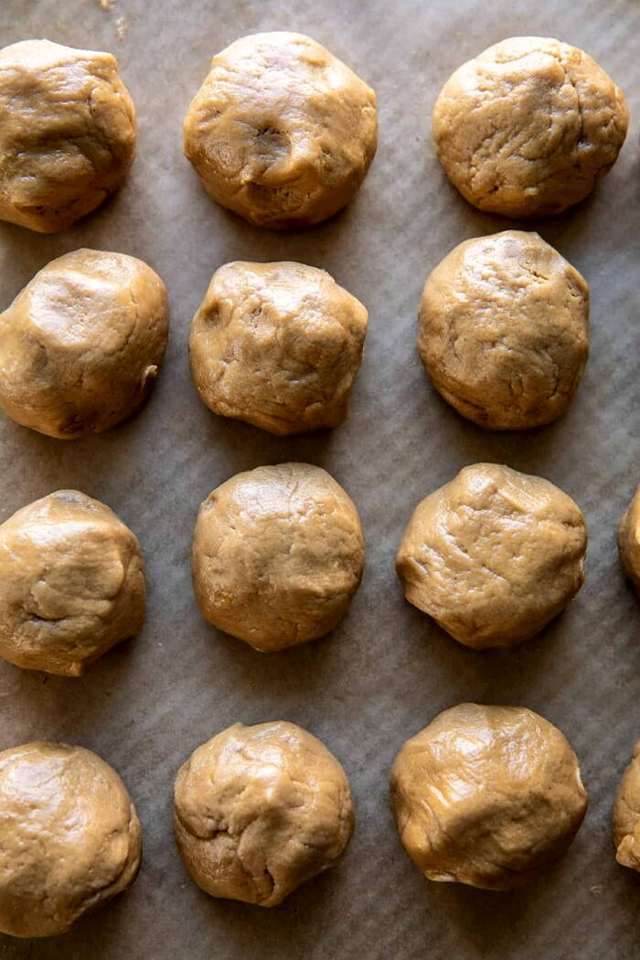 Soft and Crinkly Brown Sugar Peanut Butter Cookies | halfbakedhavrest.com