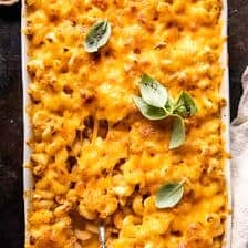 Easy Southern Style Baked Mac and Cheese.